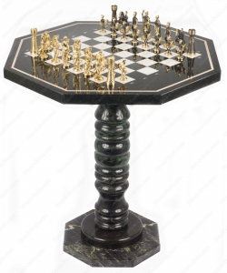 Шахматный стол из Змеевика и Мрамора, фигуры из бронзы
