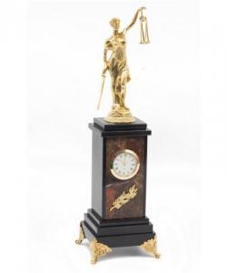 Часы из яшмы и долерита, фемида из бронзы. Высота36 см. Длина 10,5 см. Ширина 10,5 см.