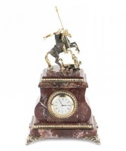 Часы изкреноида и бронзы. Высота 32 см. Длина 17 см. Ширина 14 см.