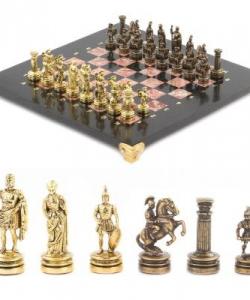 Шахматы  Римляне  доска 280х280 мм креноид змеевик металл