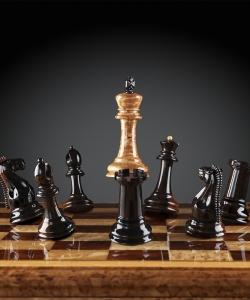 Шахматы Стаунтон Люкс (карельская береза/макассар), ограниченная серия