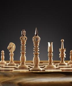 Шахматы Калверт на доске из кавказской черешни (изготовление на заказ)
