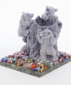 Карандашница  Медвежата на пне  змеевик мрамолит самоцветы 100х150х110 мм 860 гр.