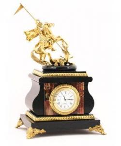 Часы изяшмы и бронзы. Высота 32 см. Длина 17 см. Ширина 14 см.