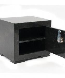 Сейф черный малый змеевик 190x160x170 мм 4100 гр.
